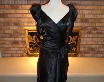 Robe de soirée en Satin Noir vintage des années 80