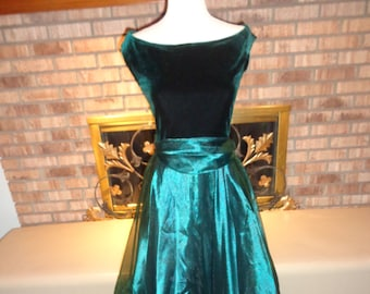 Vintage 90s Holiday Christmas Emerald Green Velvet Organza Fit and Flare Gown