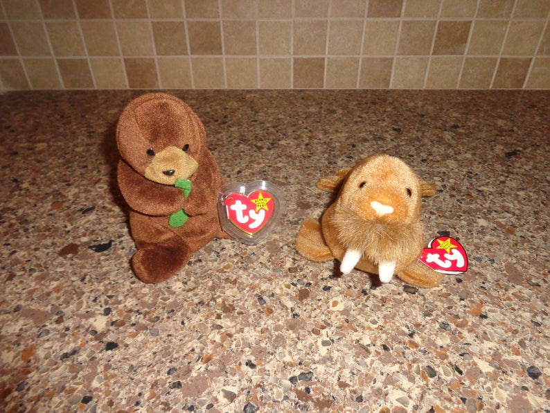 2c8f2f3709f RARE Retired Ty Beanie Babies Seaweed the Otter and Paul the