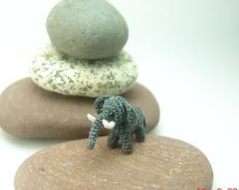 crochet miniature grey elephant - tiny amigurumi - dollhouse decorative stuffed animal - 0.8 inch