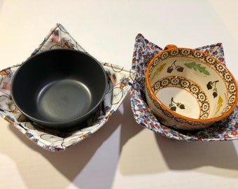 Gray Bicycle and Ferns quilted cotton reversible microwavable soup bowl holder or cozy