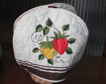 Vintage 70's Quilted Strawberries Country Kitchen Teapot Cozie - 70's Kitchen - Quilted Teapot Cozy - Tea Pot Cozie - Tea Lover