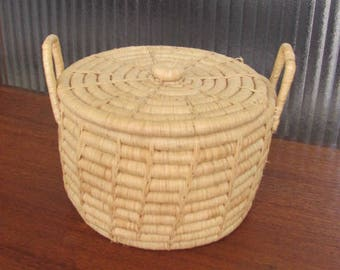 Vintage 80's Natural Rattan Basket with Lid - Knitting Basket - Sewing Basket - Snake Charmer Basket - Wicker Basket - Rattan Planter