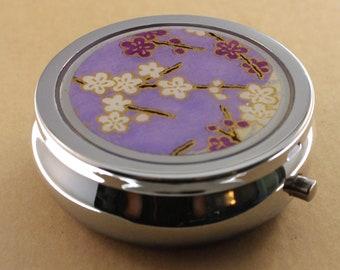Pill box - 3 Compartments - Chiyogami - Purple Bouquet