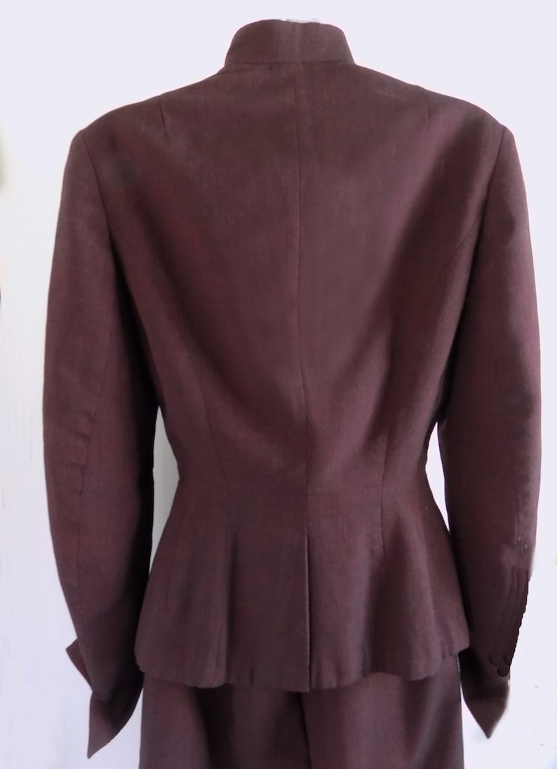 1950s Burgundy Wool Woman/'s Suit with adjustable collar  Hollywood  StageTV Lauren Bacall Lois Lane  Myna Loy
