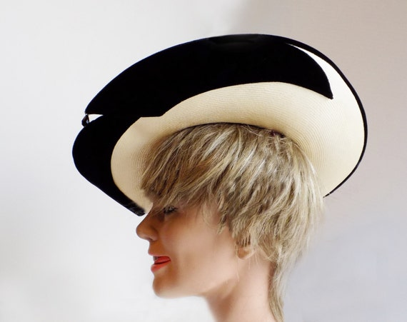 1950s Straw and black velvet wide brimmed hat by … - image 1