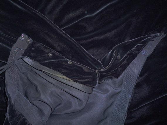 1940's Velvet Black Circle Skirt and Bolero Jacket - image 2