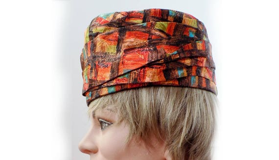 1960s Pill Box Hat / Turban style Art-fabric hat