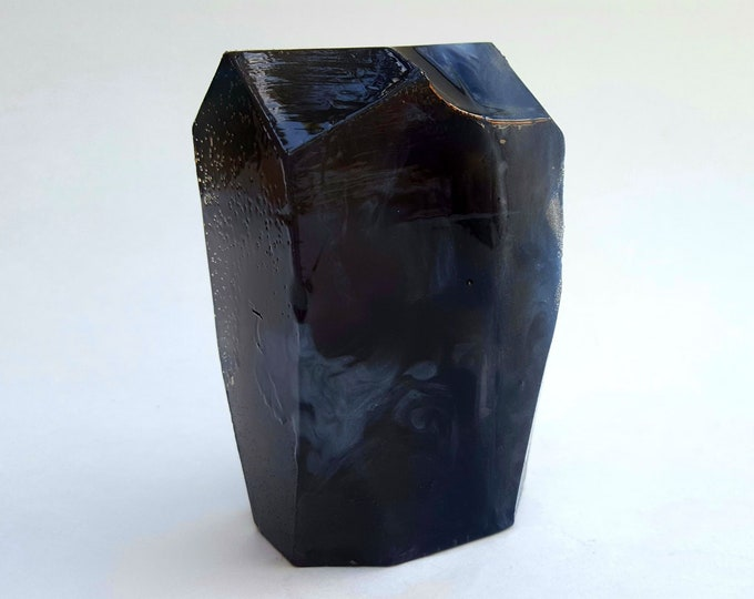 Obsidian Crystal Soap Nutmeg Heliotrope and Bergamot Scent 7 oz bar HUGE!