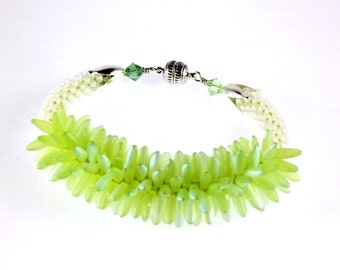Peridot Green Kumihimo Bracelet, Kumihimo Dagger Beads, Spiky Bracelet, Lime Green Bracelet