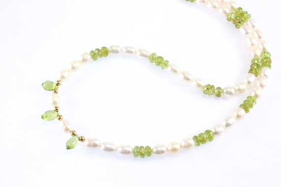 18 Length Freshwater Pearl Necklace with Chip Peridot Gemstones Green