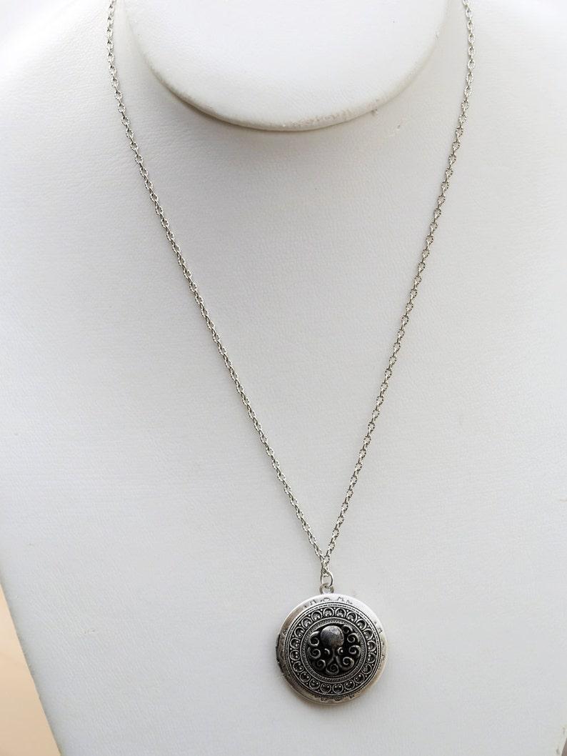 Silver Locket,Jewelry Gift,locket necklace,photo locket,vintage style locket,Wedding Necklace,bridesmaid necklace Octopus,Locket