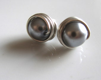 Gray pearl stud earrings' gray pearl post earring, gray wire earrings,bridal earring, bridesmaid gift, wire wrapped earrings
