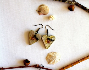 Earrings Handmodelling hearts, cream gold, polymer clay
