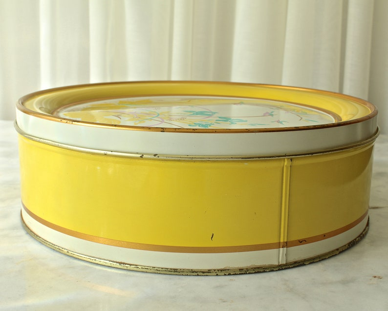 Vintage Cookie Tin Lemon Yellow Maurice Lenell Chicago Collectors Edition