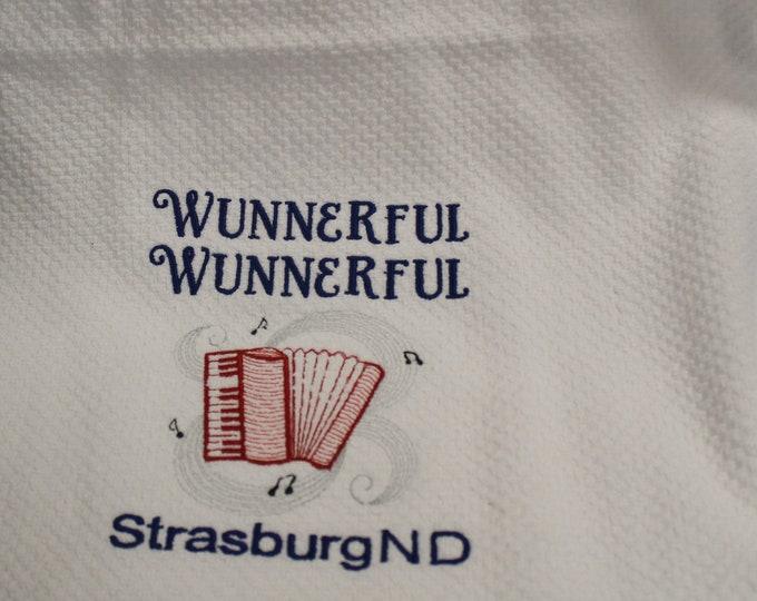 White kitchen towel/stripe