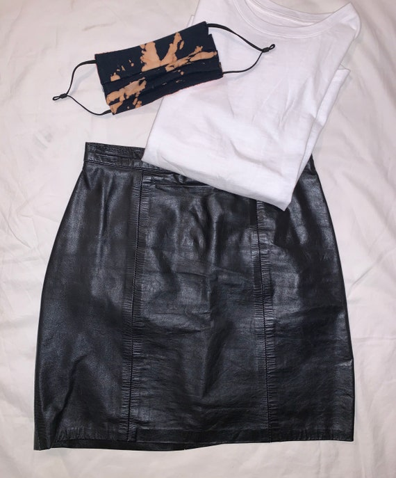 1980/'s90/'s Black HOUSE of VIRTUE Leather Mini Skirt with Snap Detail  Punk  Mod Skirt  Rare Collectable Retro
