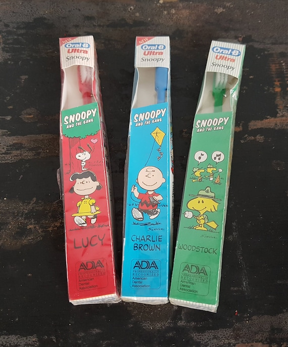 Peanuts Snoopy Toothbrush 2 Pack Free Shipping New Charlie Brown Snoopy