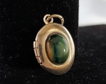 Silver Green Agate Locket, Vintage Silver Locket, Green Agate Pendant, Pendant, Locket, Green Agate