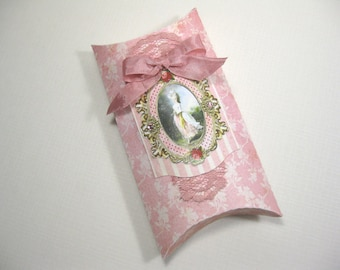 Set of 10 Marie Antoinette Pillow Favor Boxes - Wedding Favors - Bridal Shower Favors - Pillow Boxes - Baby Shower - Coral pink and cream