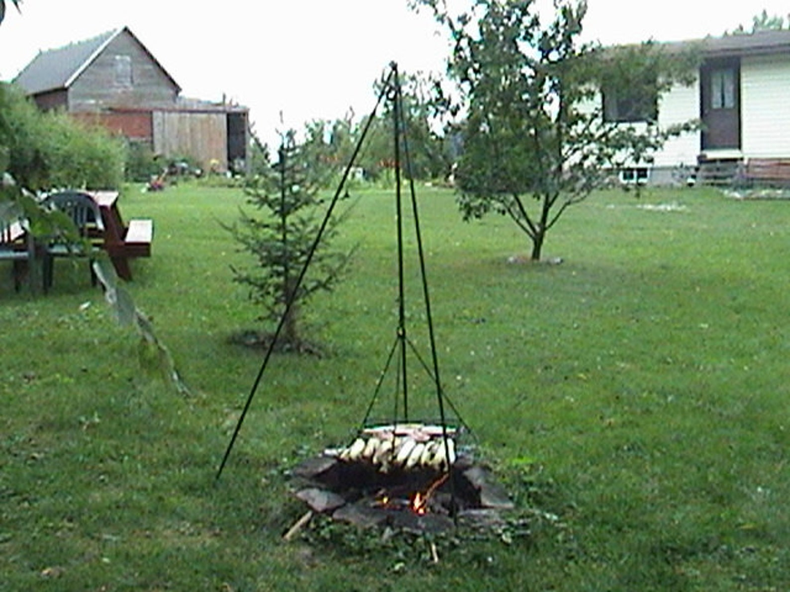 Original Big Woods Tripod - TRIPOD ONLY (Provide your own grill grate)