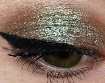 CRIMINAL Brown Mineral Eyeshadow Green Shimmer Natural Neutral Metallic Iridescent