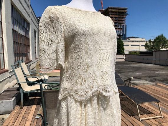 60s 70s Cream White Lacy Floral Cotton Crochet Pea