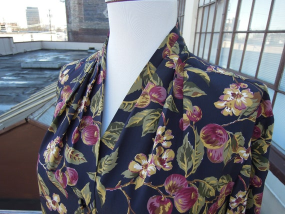 Vtg 1940s inspired silky floral fruit painted prin