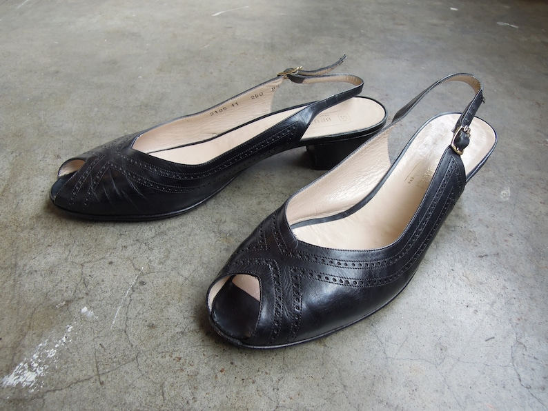 668987fd384f3 Vintage Bruno Magli Women's Peep Toe Slingback Low Heel Sandals Strappy  Black Leather Size 8 8.5 B Italian Made in Italy 80's 90's 1990s