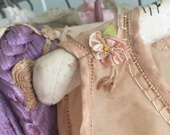 1930s Vintage Pink Peach Silky Lingerie Slip Night Gown Ribbonwork Ribbon Work Flowers A35