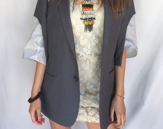 Short Raw-cut Sleeve LOLA Gray Blazer