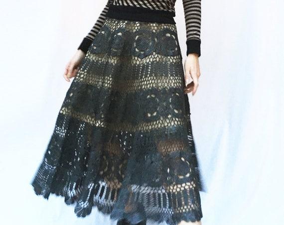 Hand Crochet Black Circle Skirt LOLA DARLING Crochet with Rubber/Leather Effect Jute + Black Satin Reversible Underskirt Unique Handmade