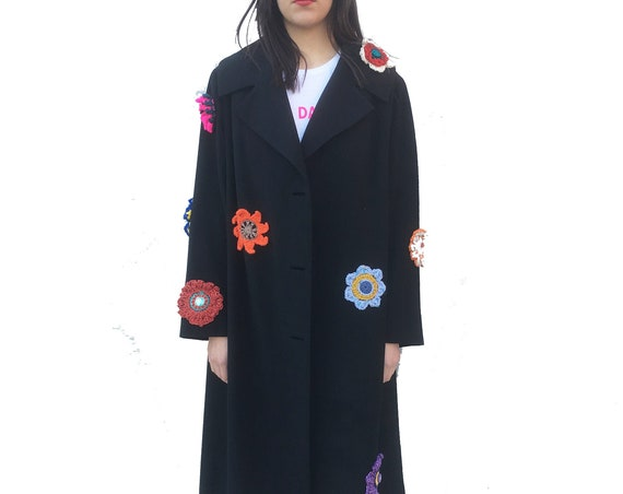 Crochet Flowers Spring Black LOLA Trench Coat