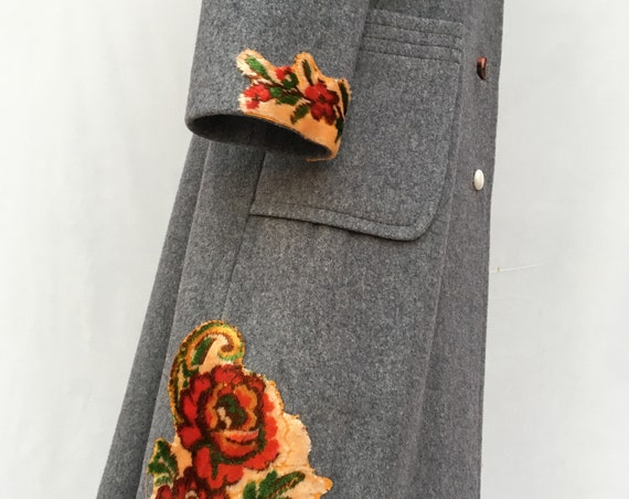 PREVIEW Fall 19 Statement Wool Coat Gray Tapestry Embroidered LOLA DARLING Printed Lining Overcoat Sustainable  Unique Italian Wearable Art
