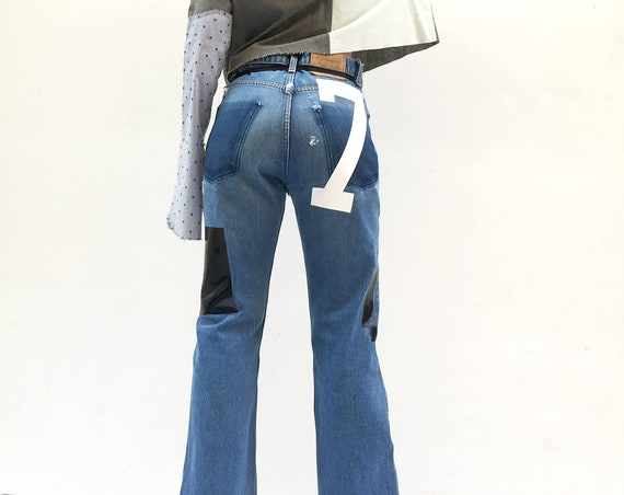 Printed High Waisted Flared bell-bottom Vintage Levi's Jeans