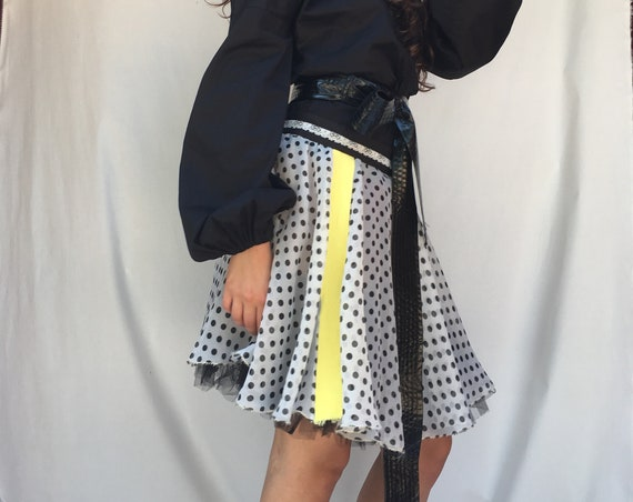 Full-circle chiffon Polka-dotted LOLA DARLING Skirt with Yellow Stripe and Black Tulle Petticoat Low Waistline Unique Black and White, Italy