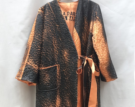 Dressing Gown Style Jacket Satin Quilted LOLA DARLING Duster Orange Black Gradient hand-painted Laminated Genderless Sustainable Couture