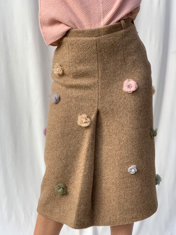 Tight and flared Mohair Wool skirt With flowers accessories