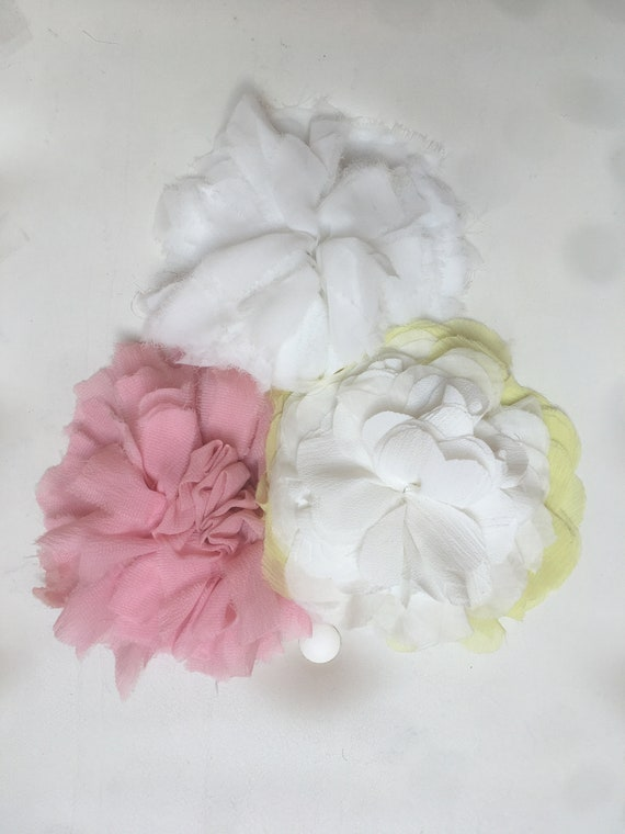 Cloth Brooches as Flower, Yellow White, Pink, White, N.3 Three Recycled Fabric Flower Roses Pins, DAW Bijoux for LOLA DARLING