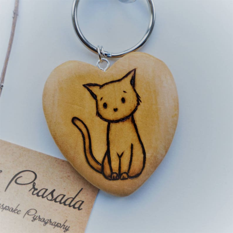Cute Cat Keyring, personalised keyring, cat lovers gift, cute cat gift,  crazy cat lady, pet name, cat key fob, pyrography keyring, cat art