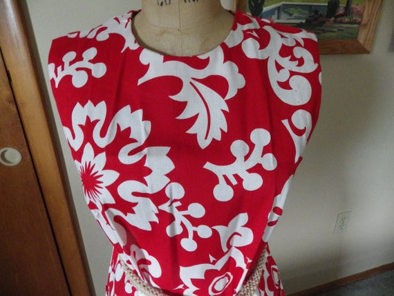 Lovely Vintage Red and White Hawaiian Cotton Dres… - image 2