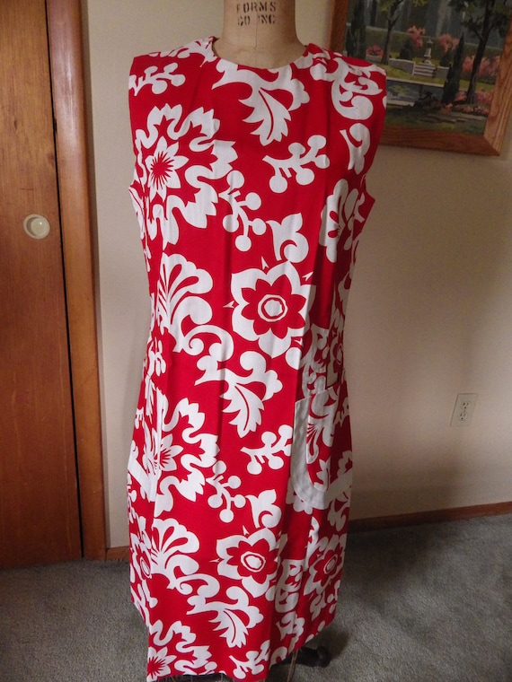 Lovely Vintage Red and White Hawaiian Cotton Dres… - image 6