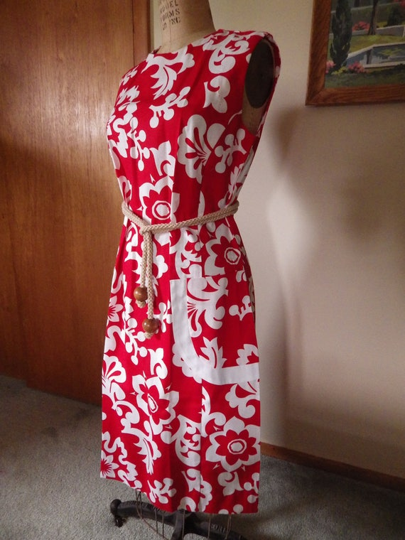 Lovely Vintage Red and White Hawaiian Cotton Dres… - image 3