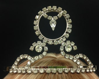 031ec0fff7b0 Vintage Regal Intricate Crystal Rhinestone Tiara! Perfect for Weddings