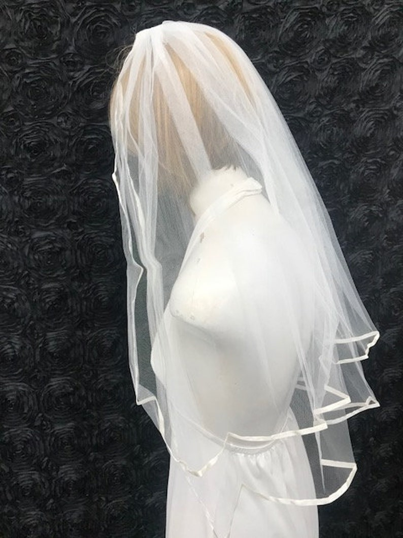 Vintage Ivory Veil Tier length 2723 Two Tier Length Edged with Ribbon Ivory Bridal Veil Elbow Length 100/% Nylon Ivory Wedding Veil