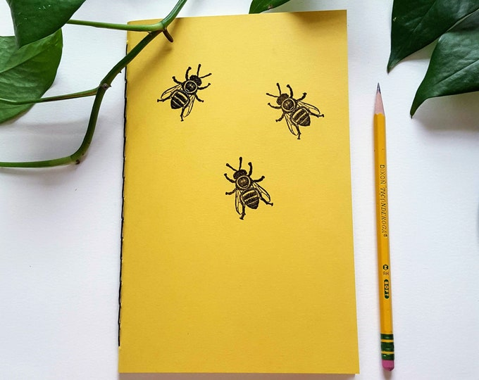Garden Journal - Honey Bees in Yellow - Gardening Journal - Planting Diary - Plant Lady Journal - Harvest Tracker - Bees - Honey Bee