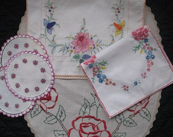 Lot of 6 Embroidered doilies. Set of centerpieces. Handmade embroideries