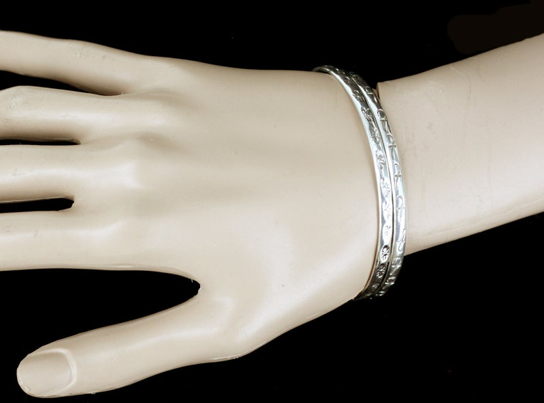 Vintage Taxco Mexico Sterling Silver Pattern Bangle Bracelet Pair Set 925 Sterling bangle Bracelet Set Of 2 Symbol Design Stackable