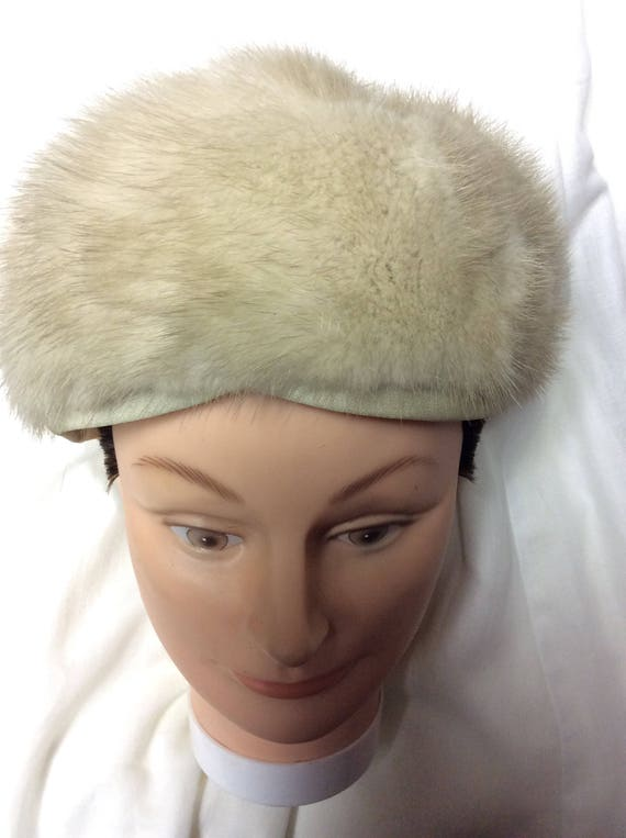 A 1960s Fashionable Fur Warm Winter Woman s Hat Believed  03c147cc656