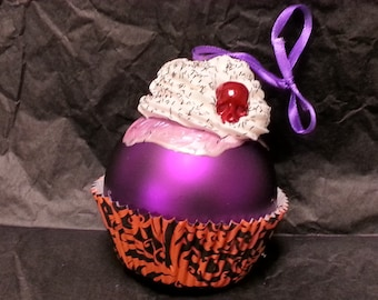 Black Skully Cupcake Ornament
